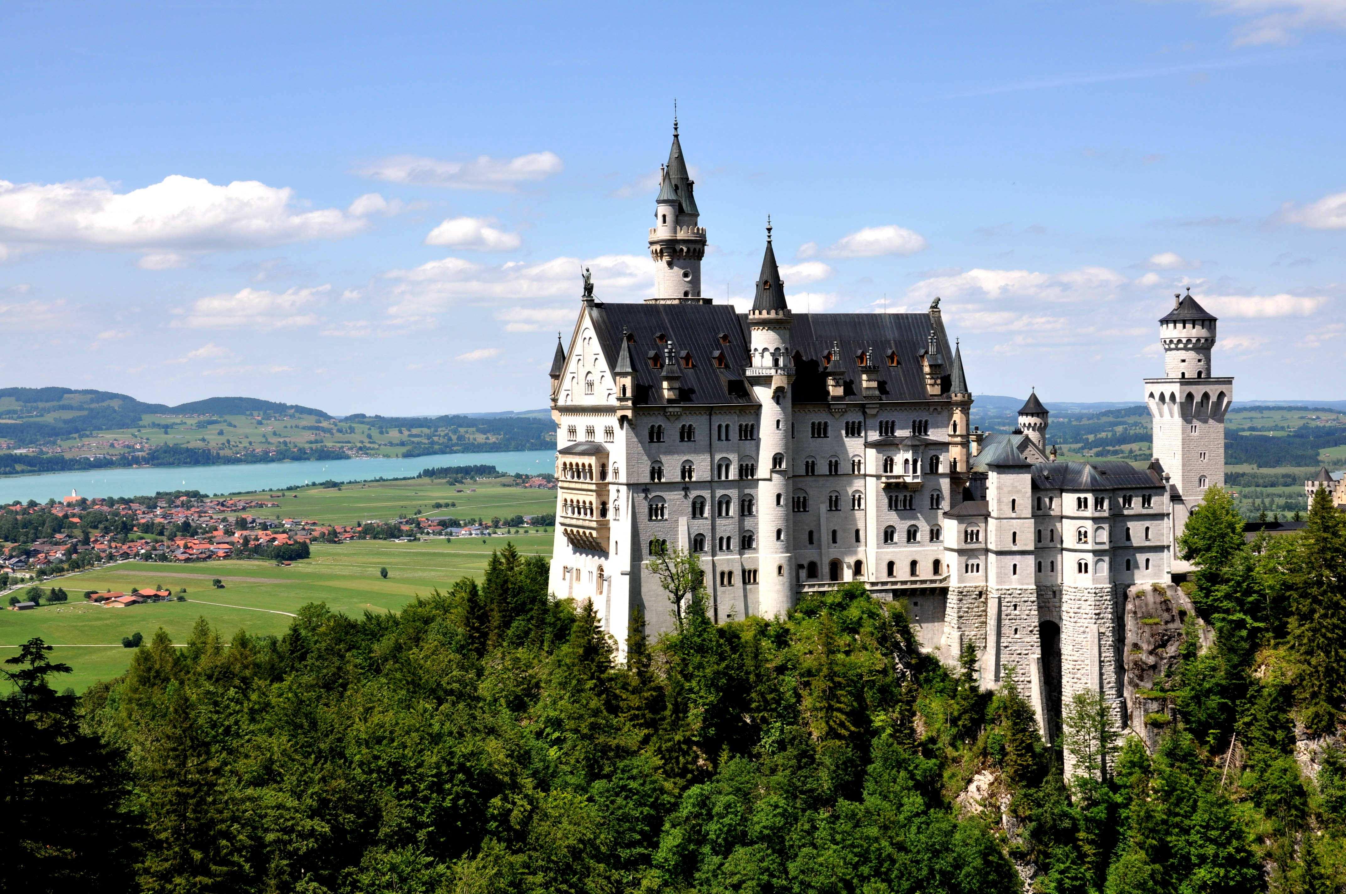 国际物流寄到德国,衣服寄到德国,食品寄到德国要多久